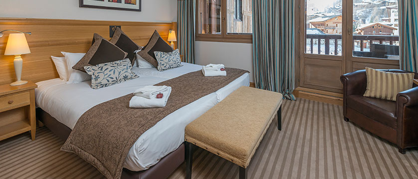 france_espace-killy-ski-area_val-disere_chalet_hotel_&_spa_Le_savoie_twin_room 2.jpg